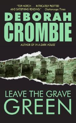 Image for Leave the Grave Green (Duncan Kincaid/Gemma James Novels)