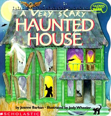 Image for A Very Scary Haunted House (Glows in the Dark)